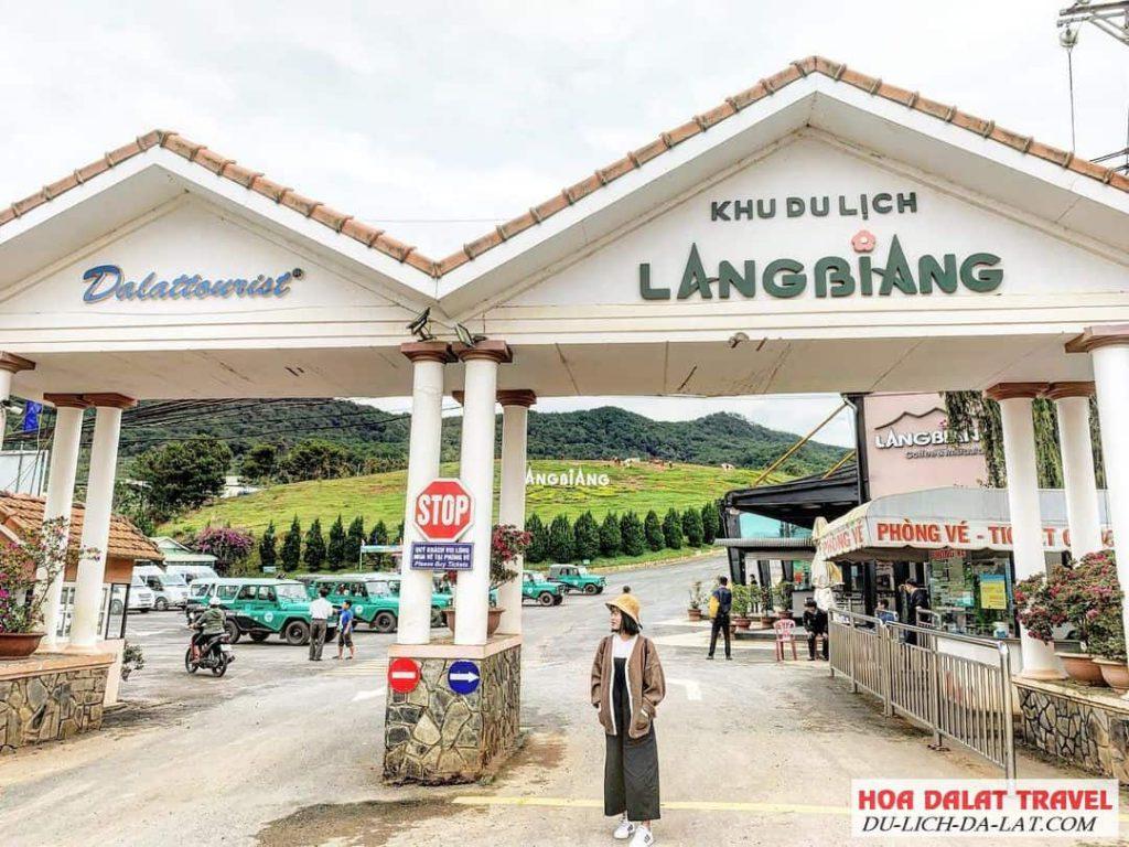 Cổng vào Khu du lịch Langbiang