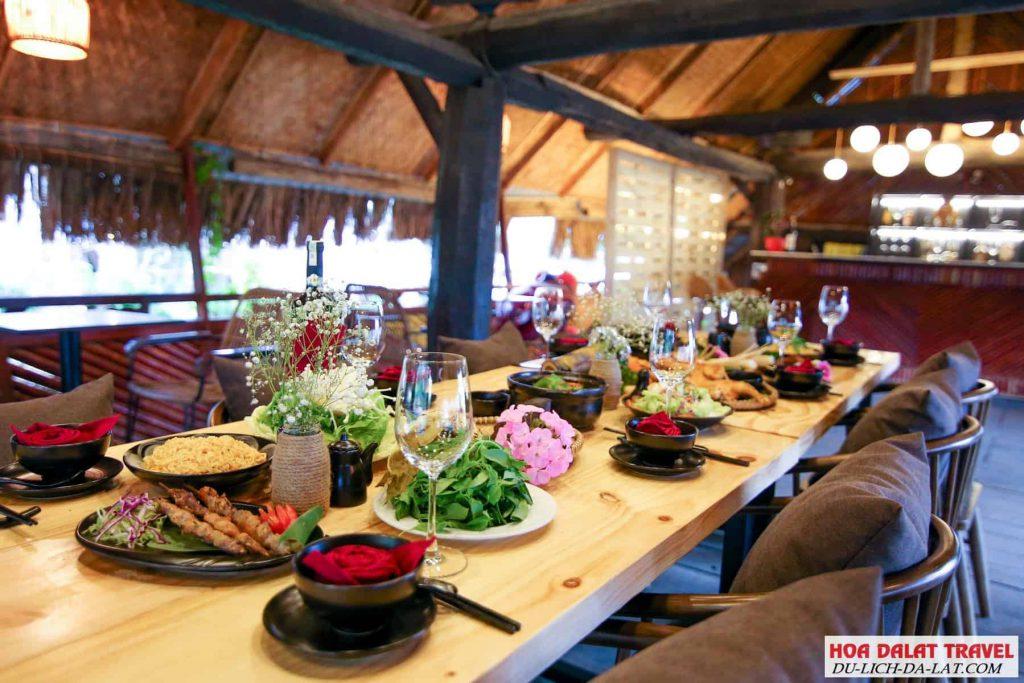Nhà hàng buffet tại thung lũng tình yêu