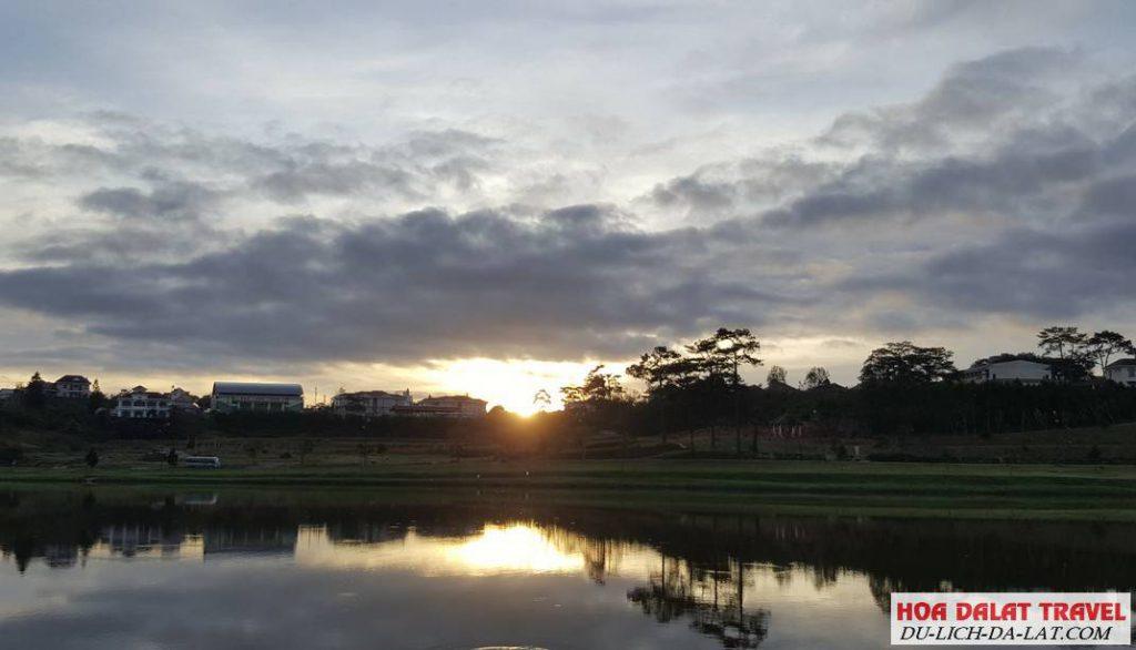 Bài viết về Hồ Xuân Hương - Đà Lạt
