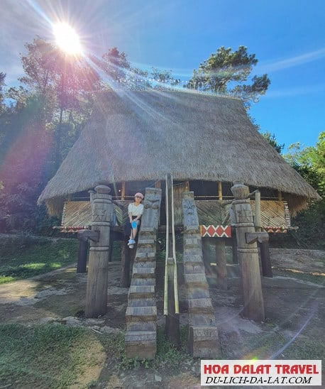 Hình ảnh làng Cù Lần Đà Lạt - Du khách