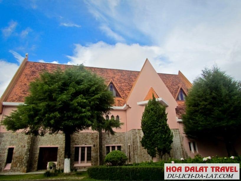 Tham quan nhà thờ Domaine De Marie Đà Lạt