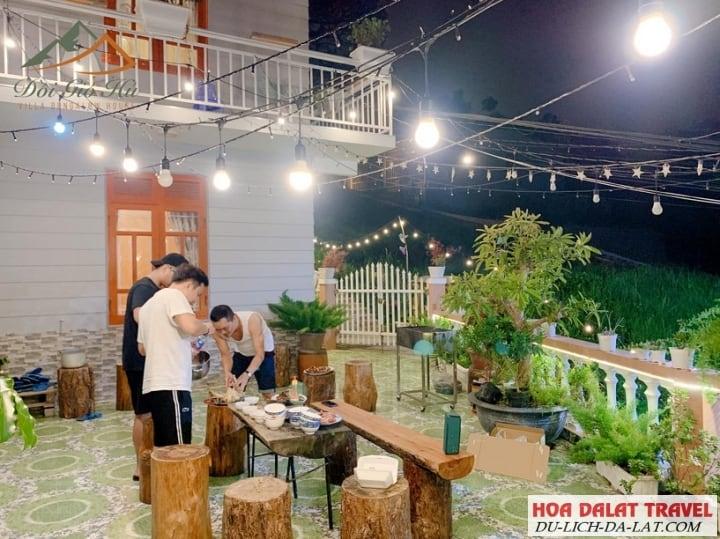 Villa Đồi Gió Hú- sân vườn