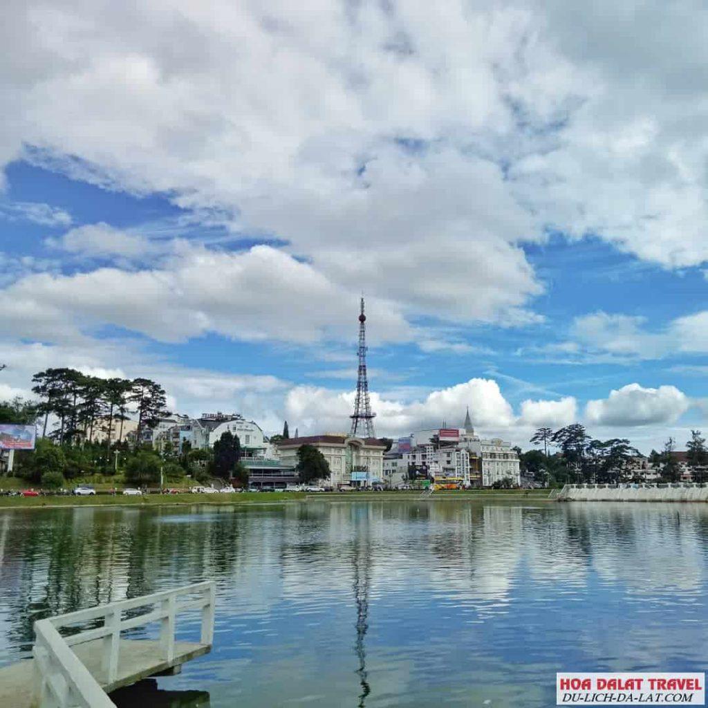 Xuất xứ tên gọi Hồ Xuân Hương