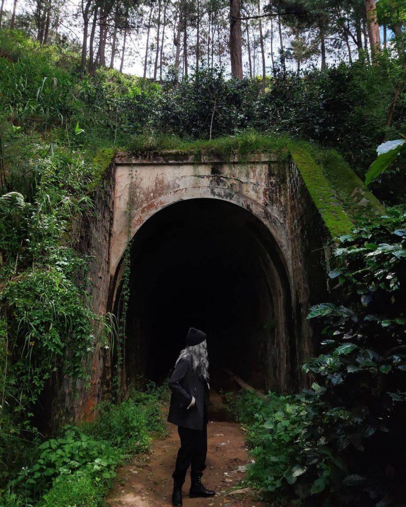 cách đi đường hầm Hoả Xa