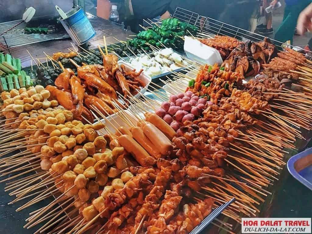Ăn vặt khi đi chơi ở Đà Lạt