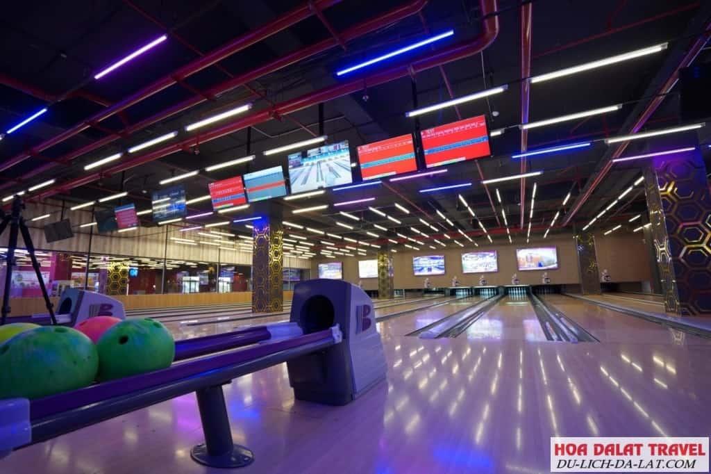 Bowling là một trò thú vị ở Đà Lạt