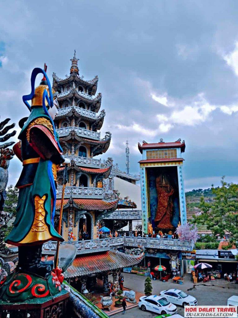 Các công trình trong chùa Linh Phước