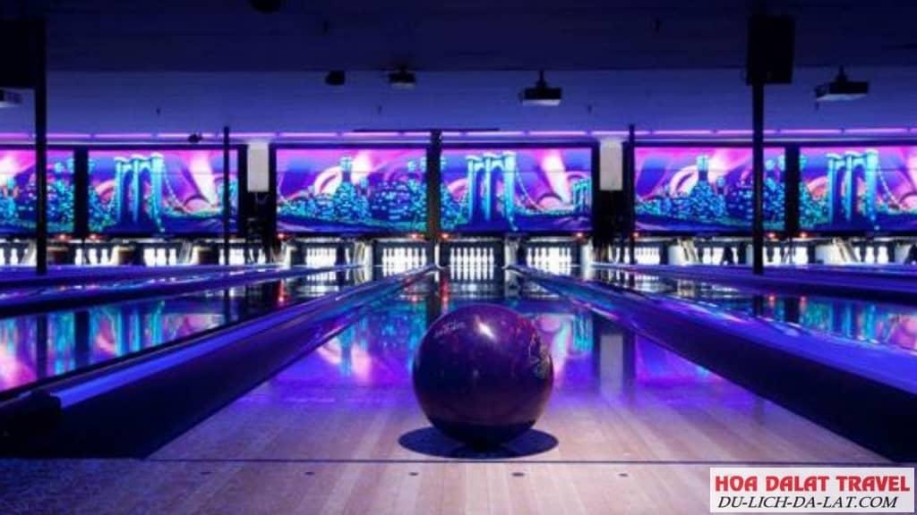 Chơi Bowling ở Đà Lạt