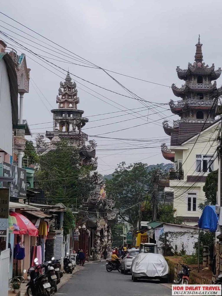 Đường đi chùa Linh Phước - Chùa Ve Chai