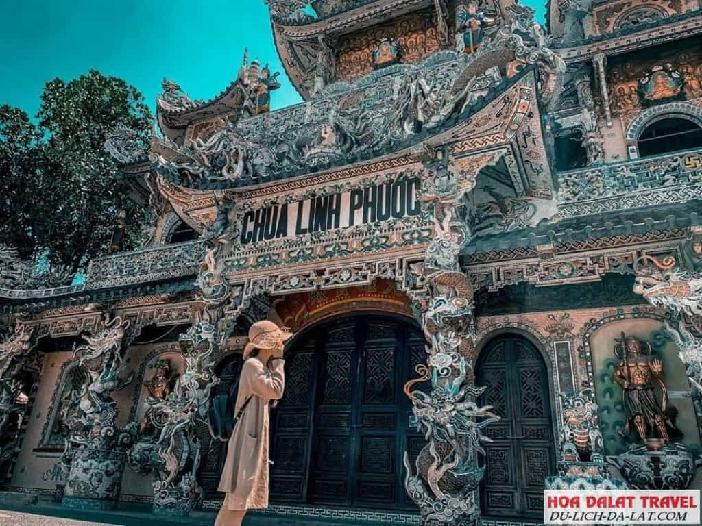 Giá vé chùa Linh Phước