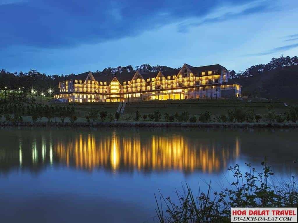 Khách sạn 4 sao gần hồ Xuân Hương