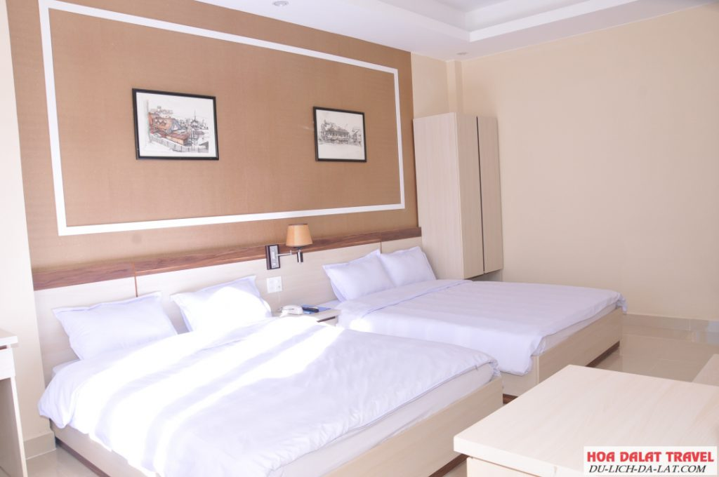 Khách sạn Noel Đà Lạt - phòng ngủ