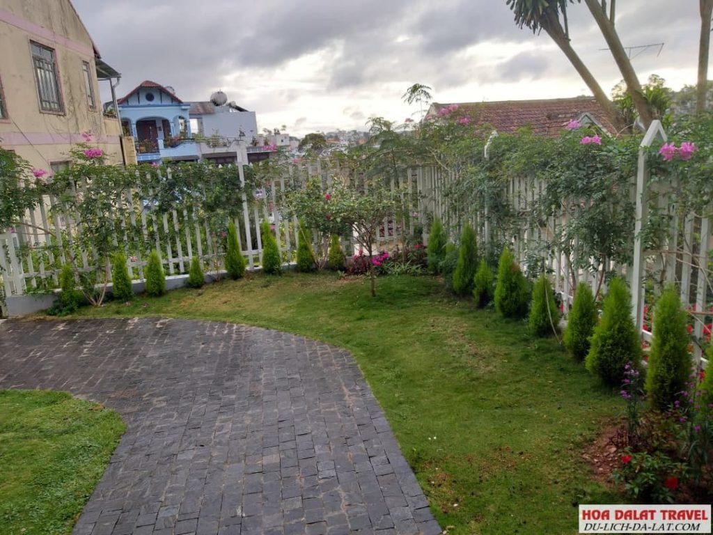 Memory inn Dalat- sân vườn