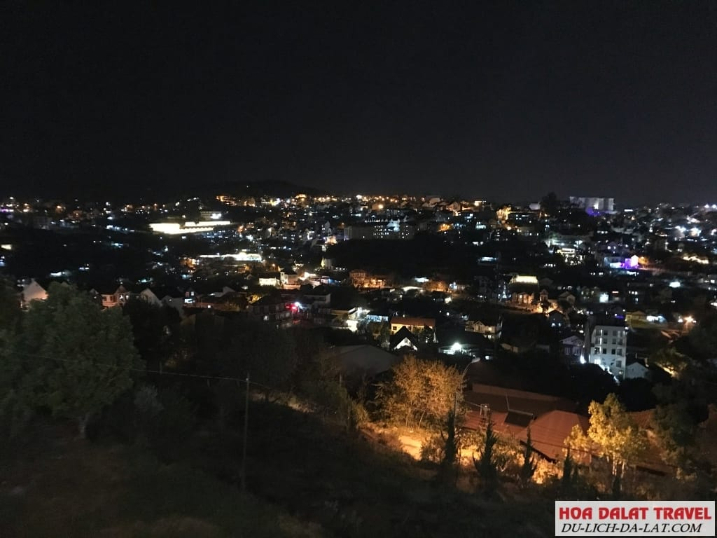 Ngắm thành phố về đêm