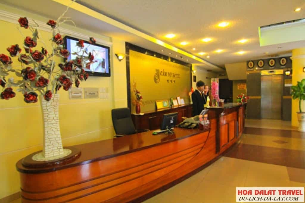 Review khách sạn Cẩm Đô